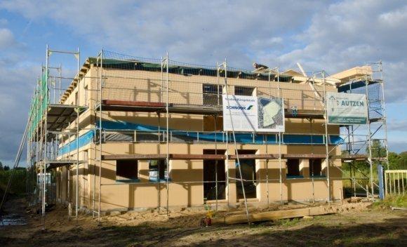 053 – Ende 2012 – Der Neubau des Bürogebäudes in Husum steht kurz vor der Fertigstellung
