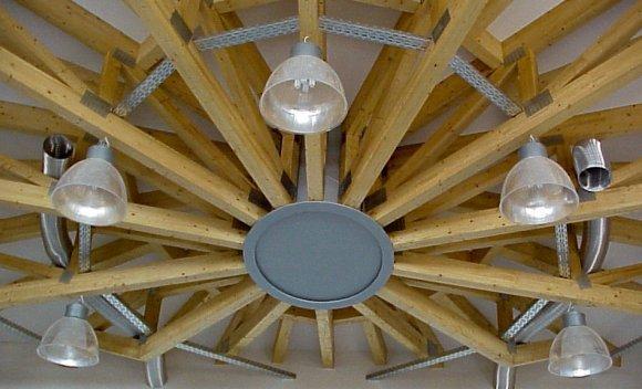 Dachkonstruktion des SCHNOOR-Kundencenters in Burg