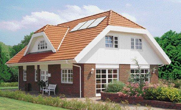 Einfamilienhaus mit Solarmodulen auf dem Dach