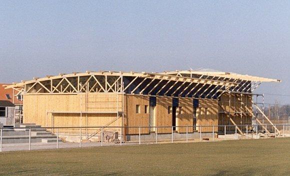 Holzkonstruktion für Sporthalle Sportforum in Kausche