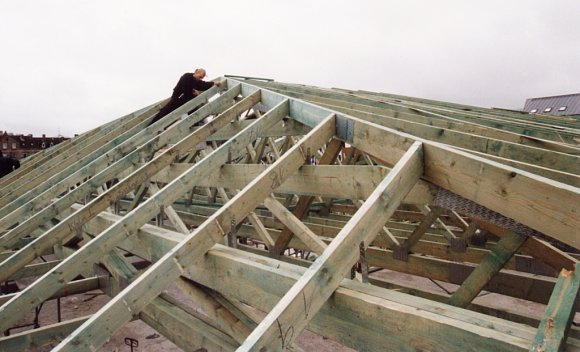 Nagelplattenbinder Dachkonstruktion für Verbrauchermarkt in Berlin