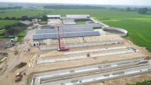 Lösungen für Abschnitte mit gefordertem Brandschutz: Die hier verwendeten Stahlträger nutzt SCHNOOR für die optimale Lastverteilung in der freitragenden Dachkonstruktion.